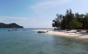 Malaysia second-most vacation deprived country, survey shows
