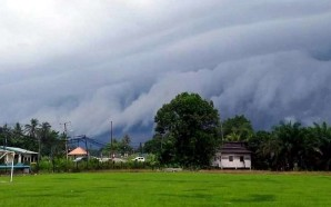 Internet abuzz after menacing storm cloud rolls into Sabah's west…